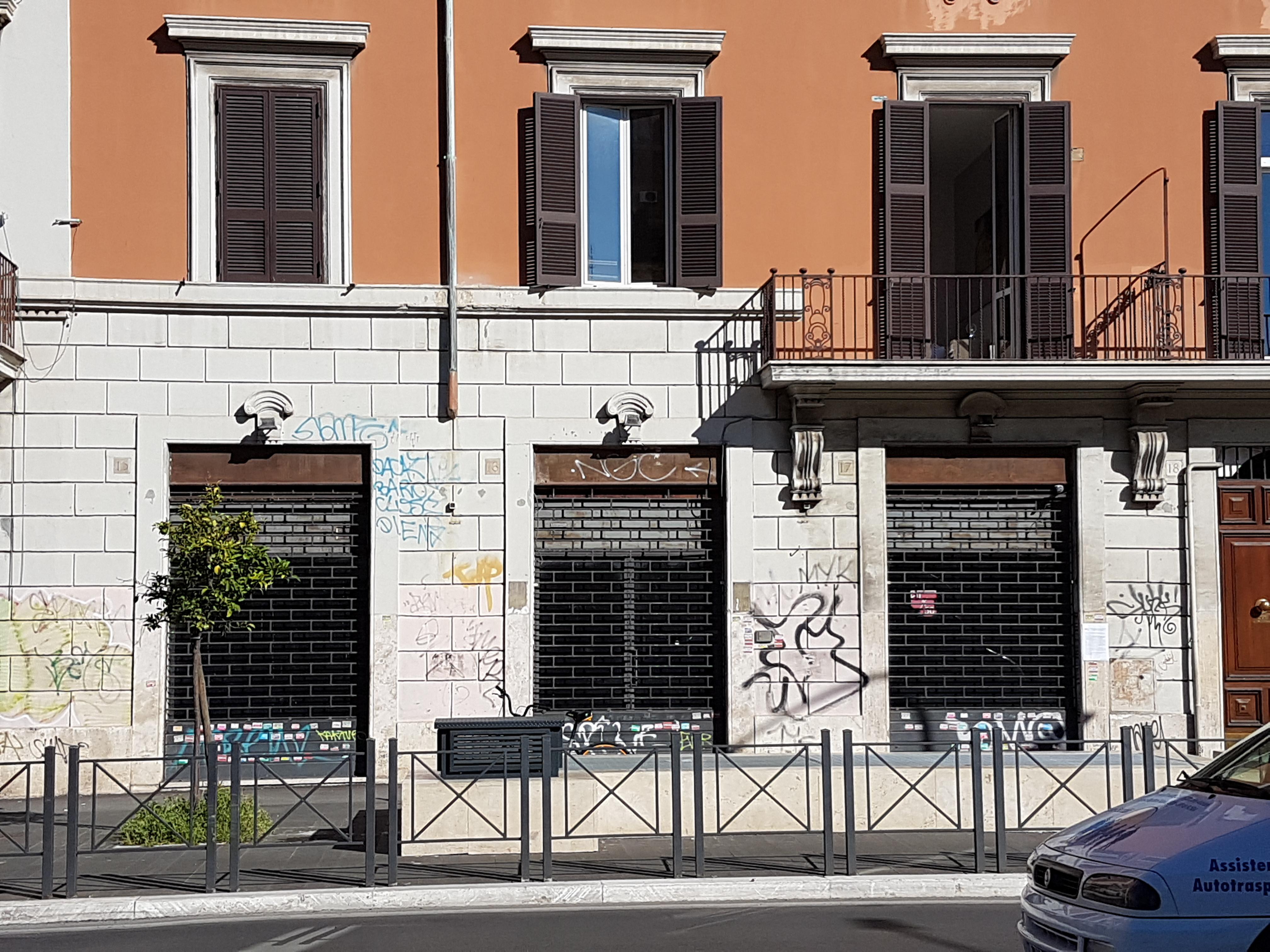 Roma,LARGO BRINDISI,Negozio,LARGO BRINDISI,1033